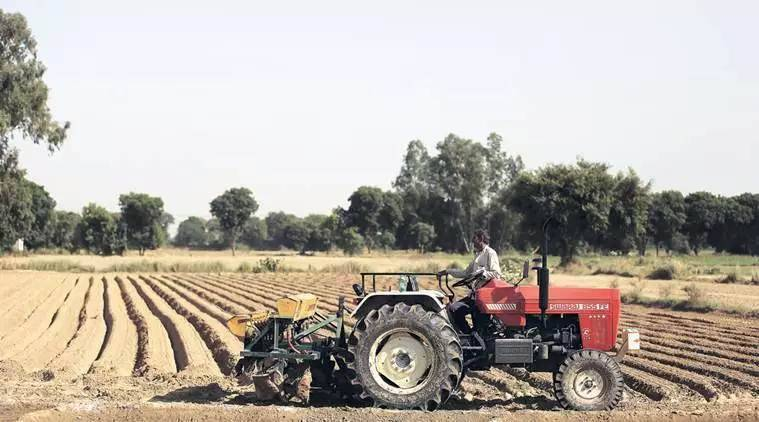farm economy, farm economy coronavirus, coronavirus economic package, India farmers, state swise distribution of corona relief funds, indian express