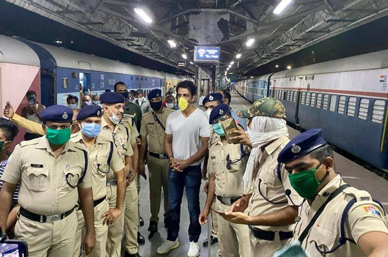 sonu sood with police
