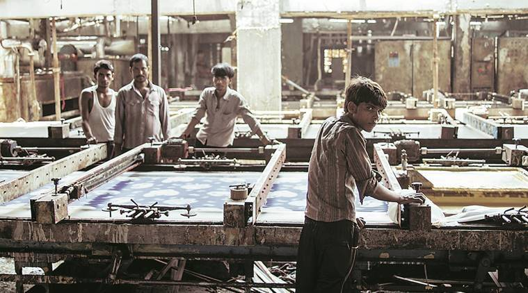covid-19 in mumbai, coronavirus lockdown in mumbai, mumbai textile markets, mumbai textile markets shut, mumbai textile markets permission to resume, indian express news