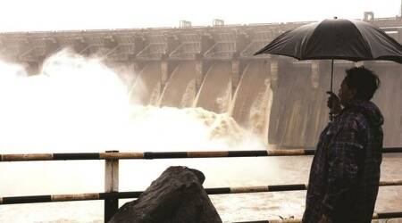 ukai dam, ukai dam water, ukai dam water release, ukai dam excess water release, gujarat monsoon, gujarat monsoon arrival, indian express news