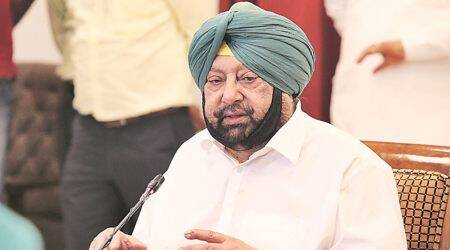Pre-poll promise turns reality: Capt Amarinder Singh distributes smartphones to Class 12 students