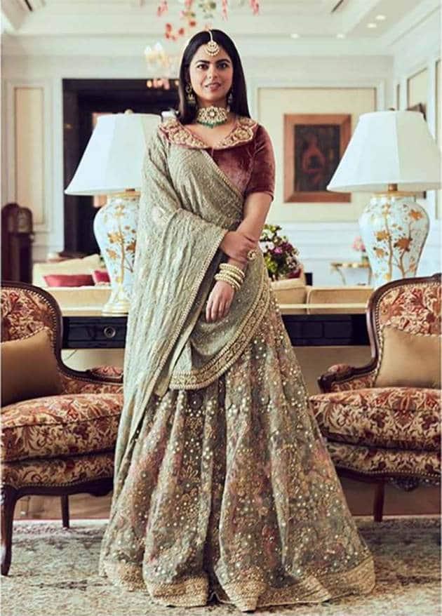 isha ambani, isha ambani piramal photos, isha ambani sabyasachi, isha ambani lehenga, isha ambani sari photos, indian express, indian express news
