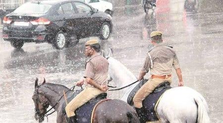 Lucknow Rain, Lucknow Police, Lightning Strike, Police Patrol