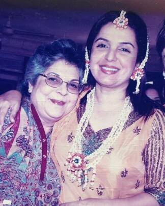 farah khan mother