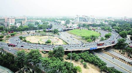 Wider footpaths, more trees as Kejriwal calls for roads revamp