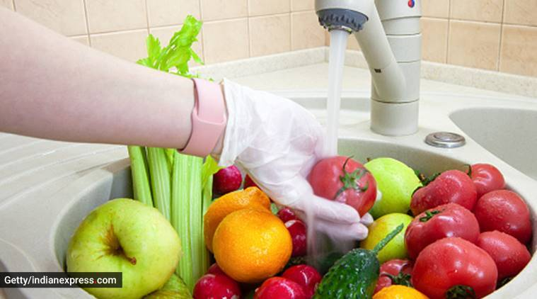 cleaning fruits vegetables
