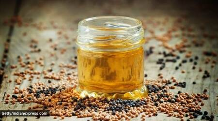 hair fall oil, how to control hair fall, indianexpress.com, indianexpress, juhi parmar home remedies, onion seeds for hair, methi dana for hair, coconut oil for hair,