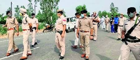 2 cops on night patrol found murdered; police party chasing accused attacked