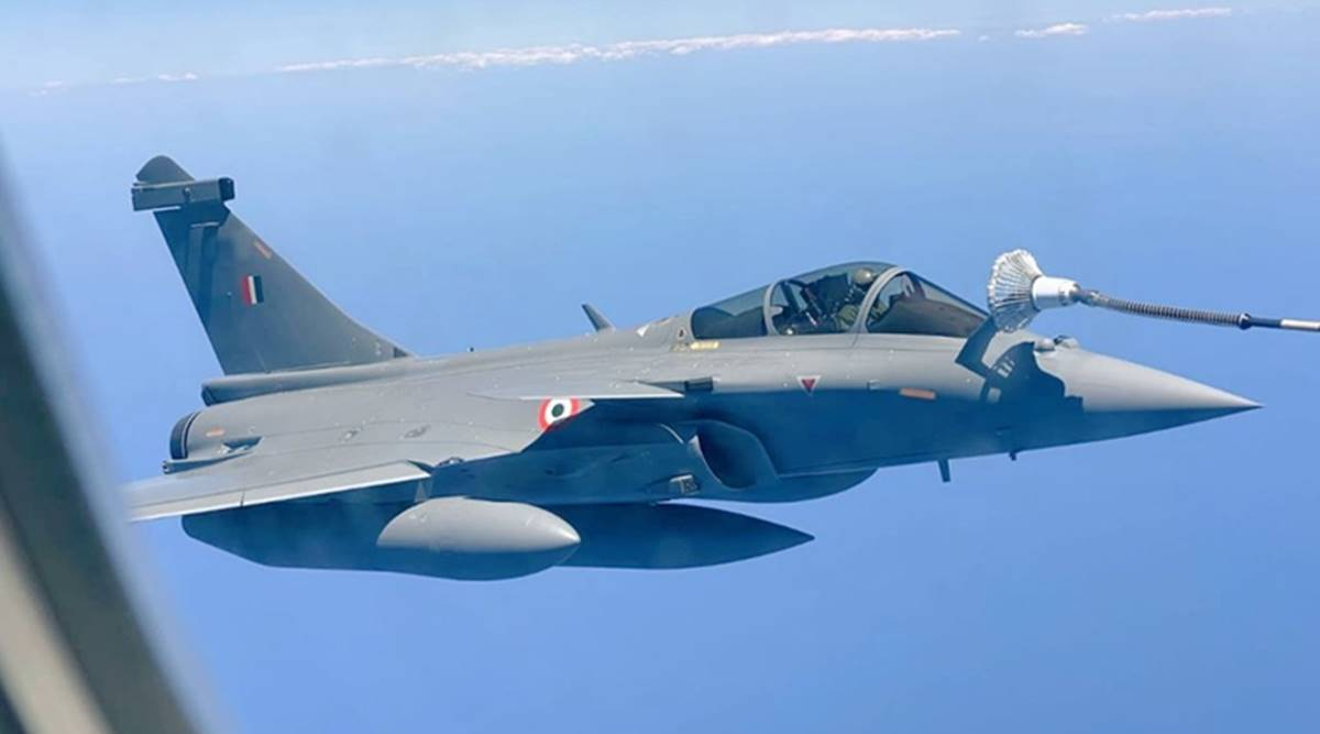 Rafael plane enters Indian airspace; Indian navy welcomes