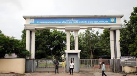 covid-19 in pune, covid-19 in pune jails, yerwada temporary jail, yerwada prisoners escape, yerwada temporary jail prisoners flee, indian express news