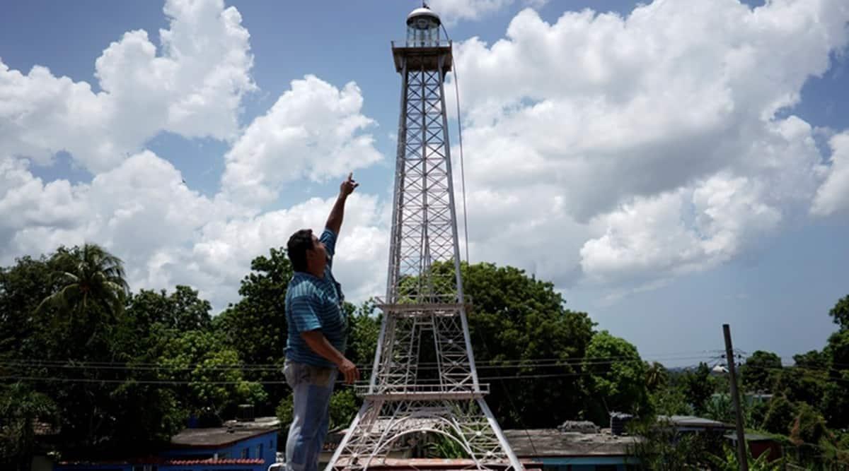 Das hat noch gefehlt: Havannas Eiffeltiurm | Bildquelle: https://de.reuters.com/article/us-cuba-art-idUKKCN2561X4 © Reuters | Bilder sind in der Regel urheberrechtlich geschützt