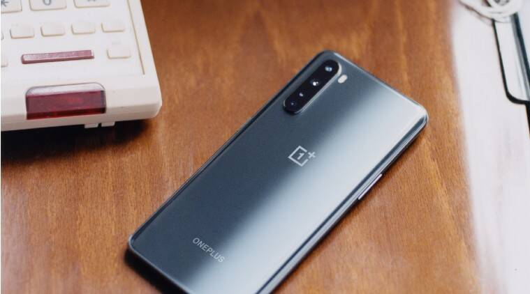 OnePlus phones are shipping with pre-installed Facebook services
