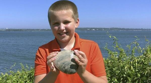 Rhode Island, 11-year-old, clam, Viral news, Trending news, Indian Express news