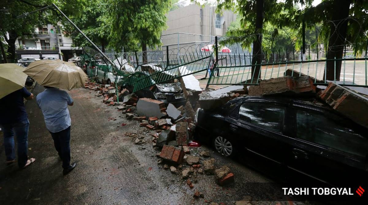 Video: Wall collapse damages parked cars in Saket after heavy rains lash Delhi-NCR