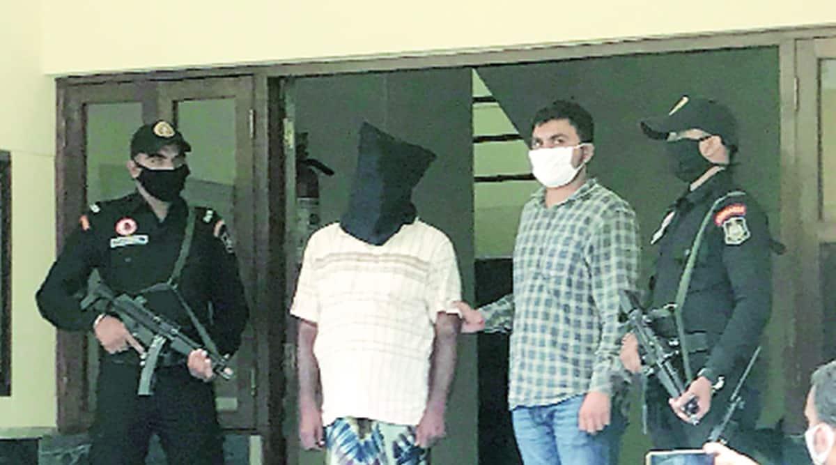 2006 Kalupur Railway Station blast case, Gujarat Anti-Terrorist Squad, ATS, Lashkar-e-Taiba, Lashkar-e-Taiba operatives escape help, man arrested for helping Lashkar-e-Taiba operatives escape, indian express news