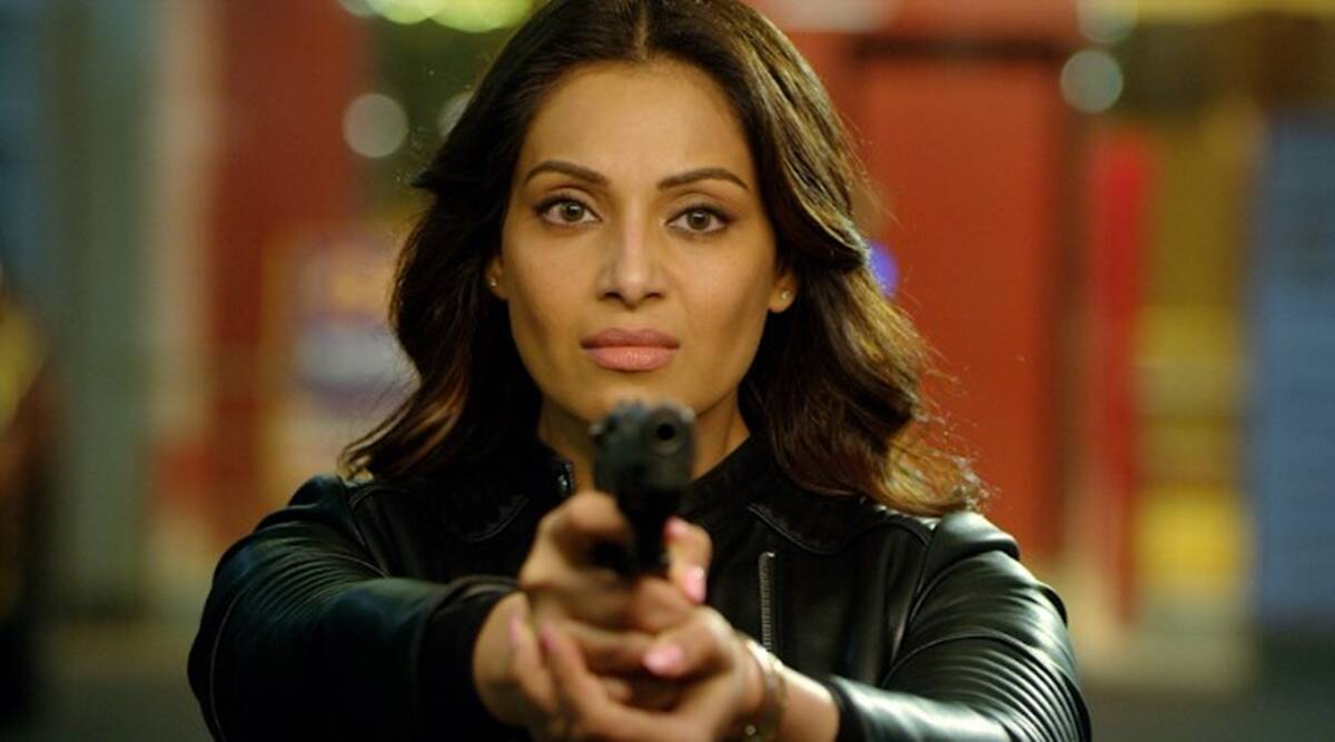 Bipasha Basu on Dangerous: Vikram Bhatt's stories have a lot of twists which is very entertaining