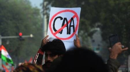 Ramchandra guha, anti caa activist, gujarat civil society members, ahmedabad anti caa activist show cause notice, Kaleem Siddiqui, civil society members support caa anti activist, indian express news