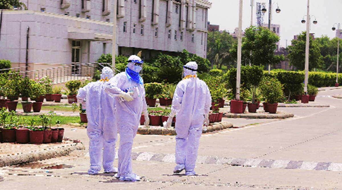 kolkata coronavirus latest updates, Covid Care Network, Satyarup Siddhanta, Madhabilata Mitra, covid assistance groups kolkata, kolkata city news