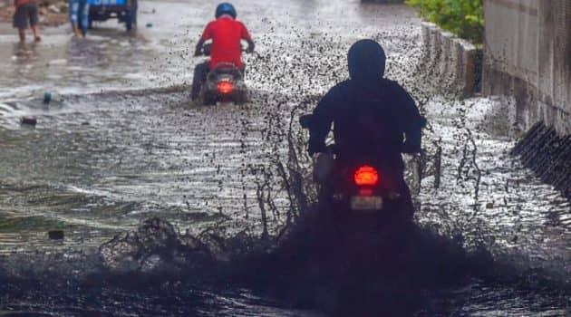 delhi news, delhi rains, delhi rains today news, delhi weather, weather in delhi, delhi rain photos, indian express