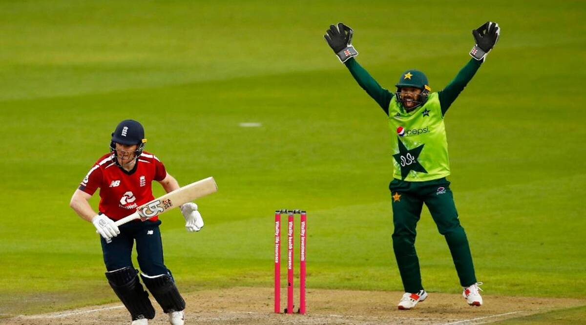 Hafeez, Babar power Pakistan to 195-4 against England in second T20