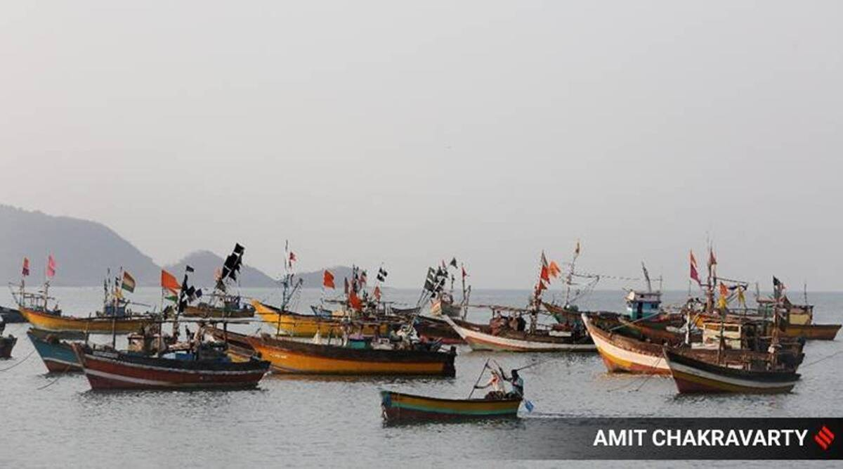 Karnataka: Search operations underway as 14 fishermen go missing in sea