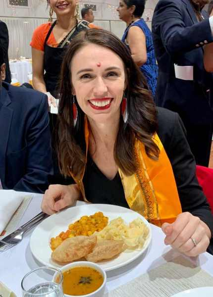new zealand news, new zeland pm relishes indian food, jacinda ardern indian temple, jacinda ardern indian meal, new zealand covid-19, indian express