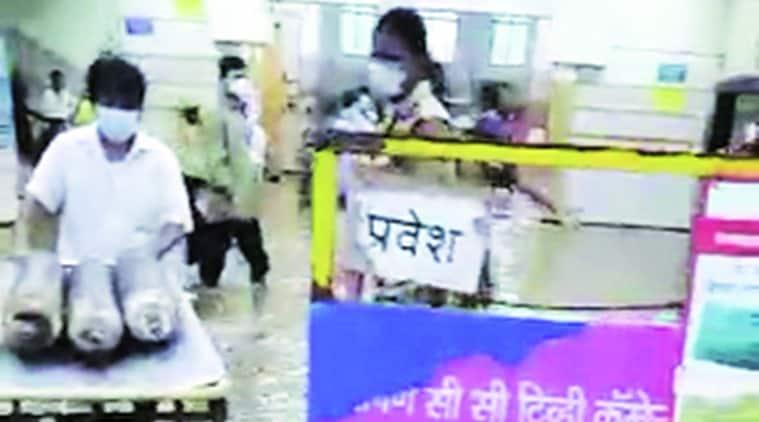 mumbai monsoon, mumbain rains, bmc, mumbai jj hospital flooding, mumbai kem hospital rain, indian express news