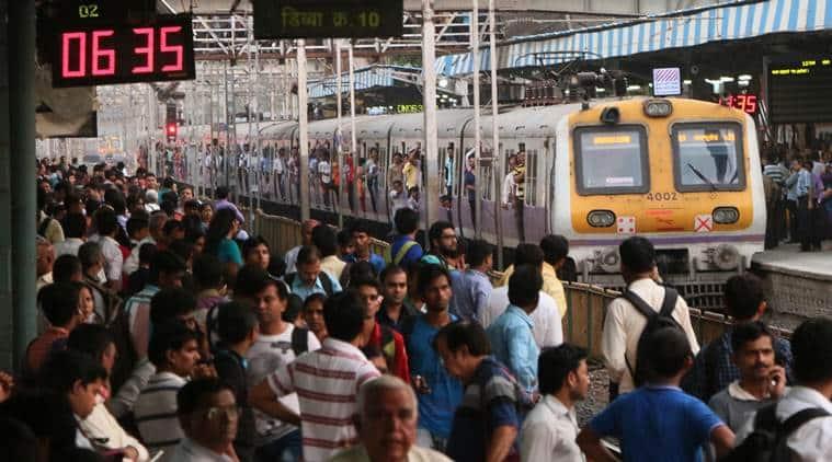 mumbai local train, mumbai local train wallet lost found, mumbai police, mumbai local train rush, mumbai city news