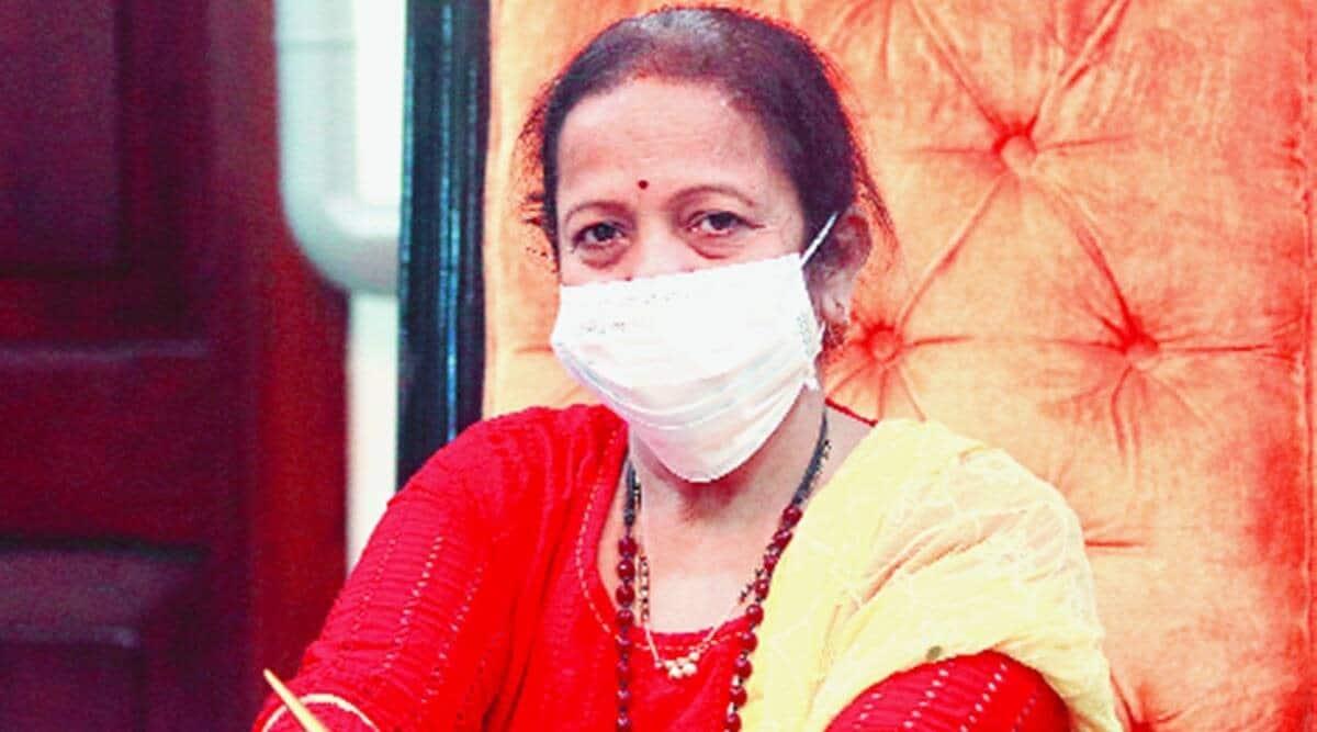 mumbai coronavirus latest update, Kishori Pednekar, mumbai mayor, Kishori Pednekar son firm tender, MNS, covid centre contracts to mumbai mayor son, mumbai city news
