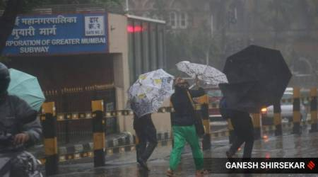 Mumbai rains HIGHLIGHTS: Rainfall intensity to reduce; Thackeray reviews areas to asses damage