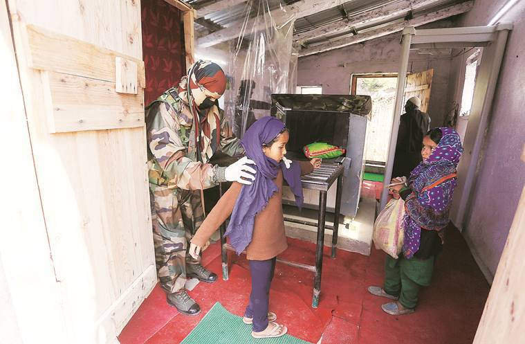 Indian Army, women's soldiers, Kashmir valley region, LoC, Indian express news