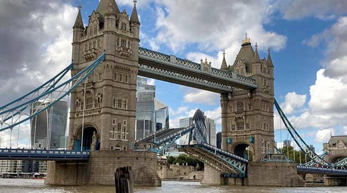 london tower bridge, london tower bridge stuck twitter reactions, trending, indian express, indian express news