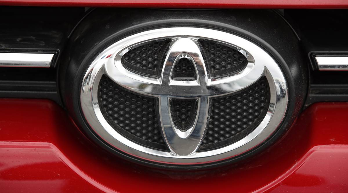 Toyota returns as globe's top automaker after 5 years