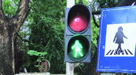 female pedestrians, traffic signals, Mumbai news, Maharashtra news, Indian express news