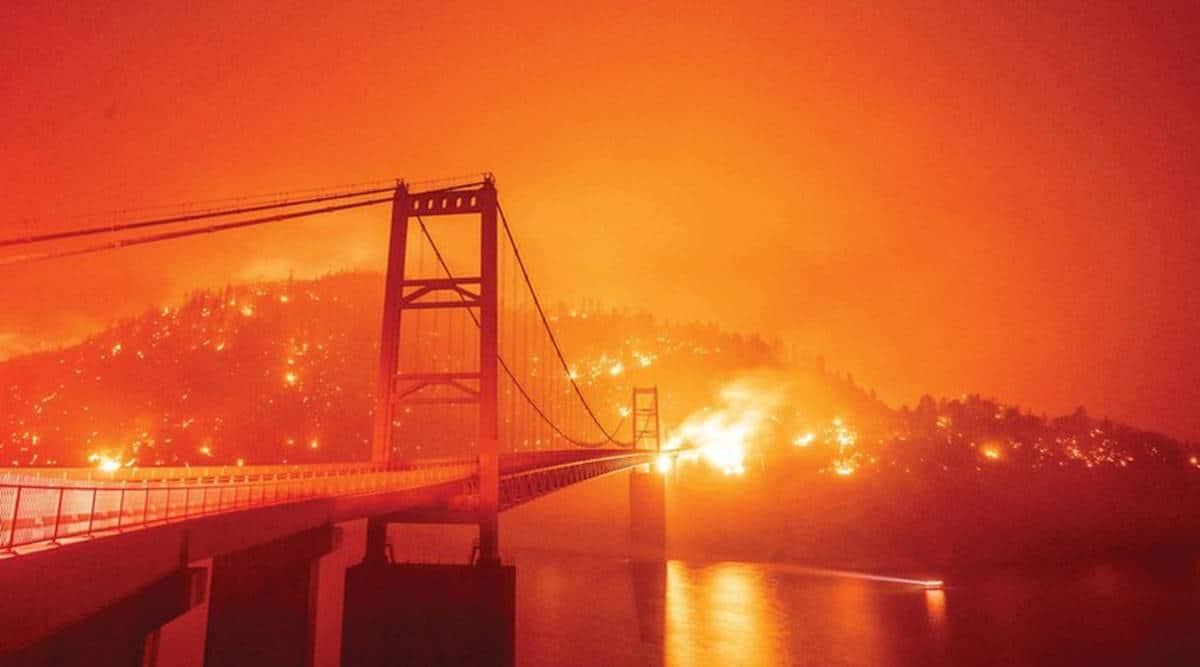 California Wilffire, California orange skies, San Francisco dark orange sky, California wildfire smokes turn sky orange, world news, Indian express