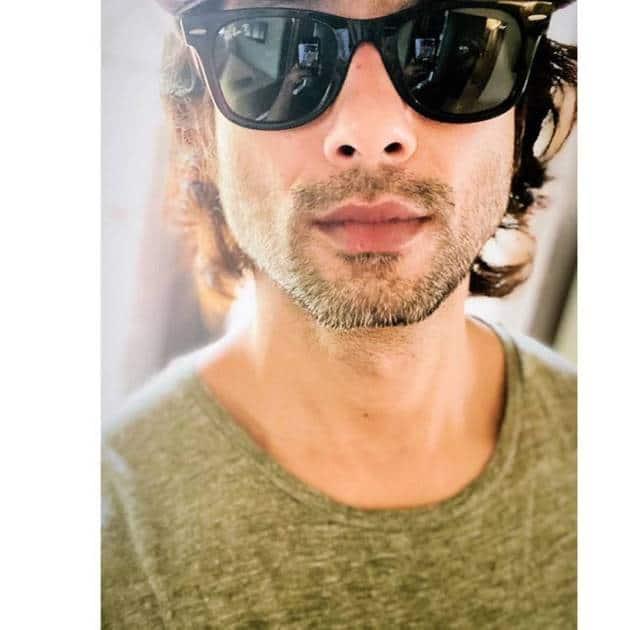 shahid kapoor selfie