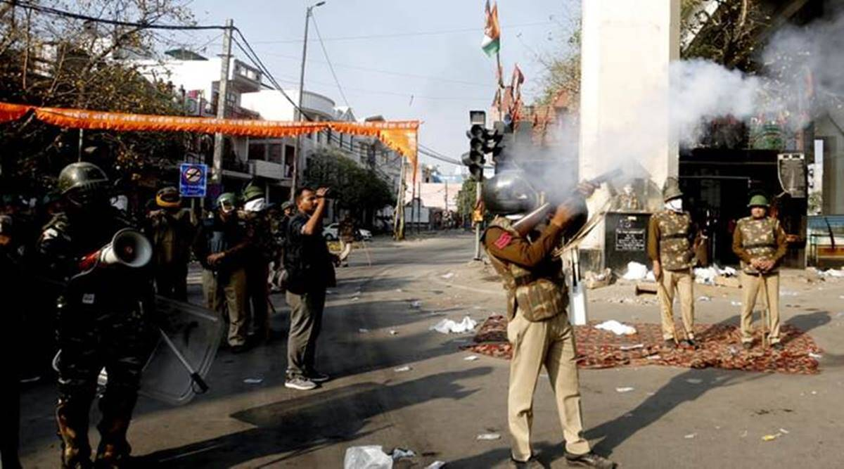 Road blocks during Delhi riots sign of conspiracy, chargesheet by Thursday: Police - The Indian Express