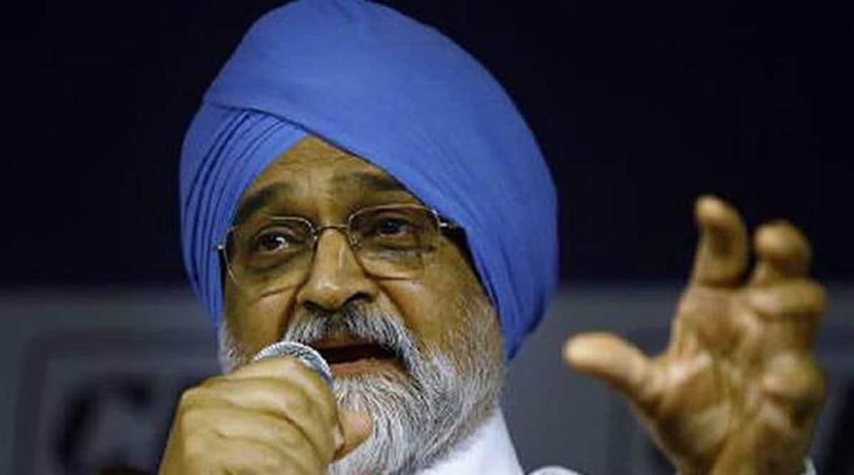 amarinder singh, punjab group of experts, Montek Singh Ahluwalia, Montek Singh report, Manpreet Singh Badal, punjab covid crunch, punjab gst, indian express news