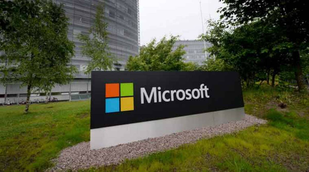 Microsoft services crash in global outage