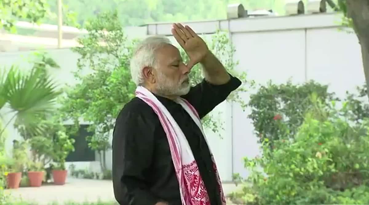 Narendra Modi, PM Modi, Modi fit india dialogue, fit india dialogue, Modi fitness influencers, Virat Kohli, Milind Soman, Fit India Movement, indian express news