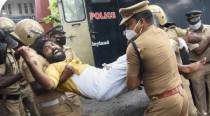 Kerala: Over 100 cops test positive for Covid-19, CM blames Opposition protests