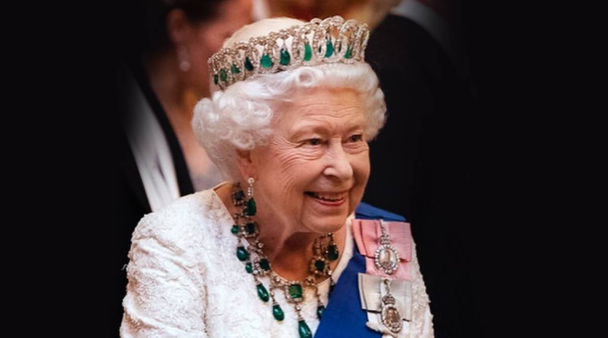Royal insider reveals Queen Elizabeth eats burgers with a knife and fork