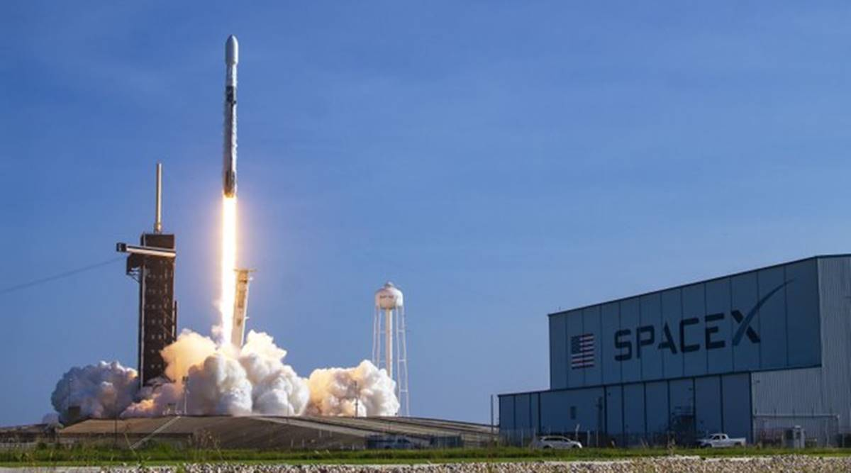 SpaceX to press ahead with Starlink tests, delays commercial service thumbnail