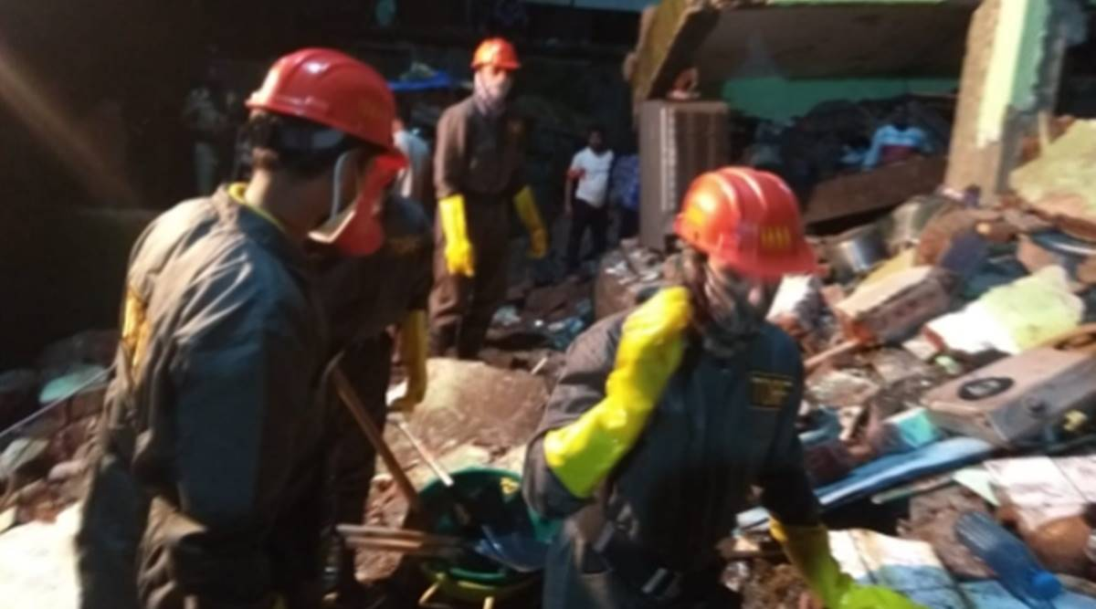 Thane: 8 dead, 20 feared trap in Bhiwandi building collapse