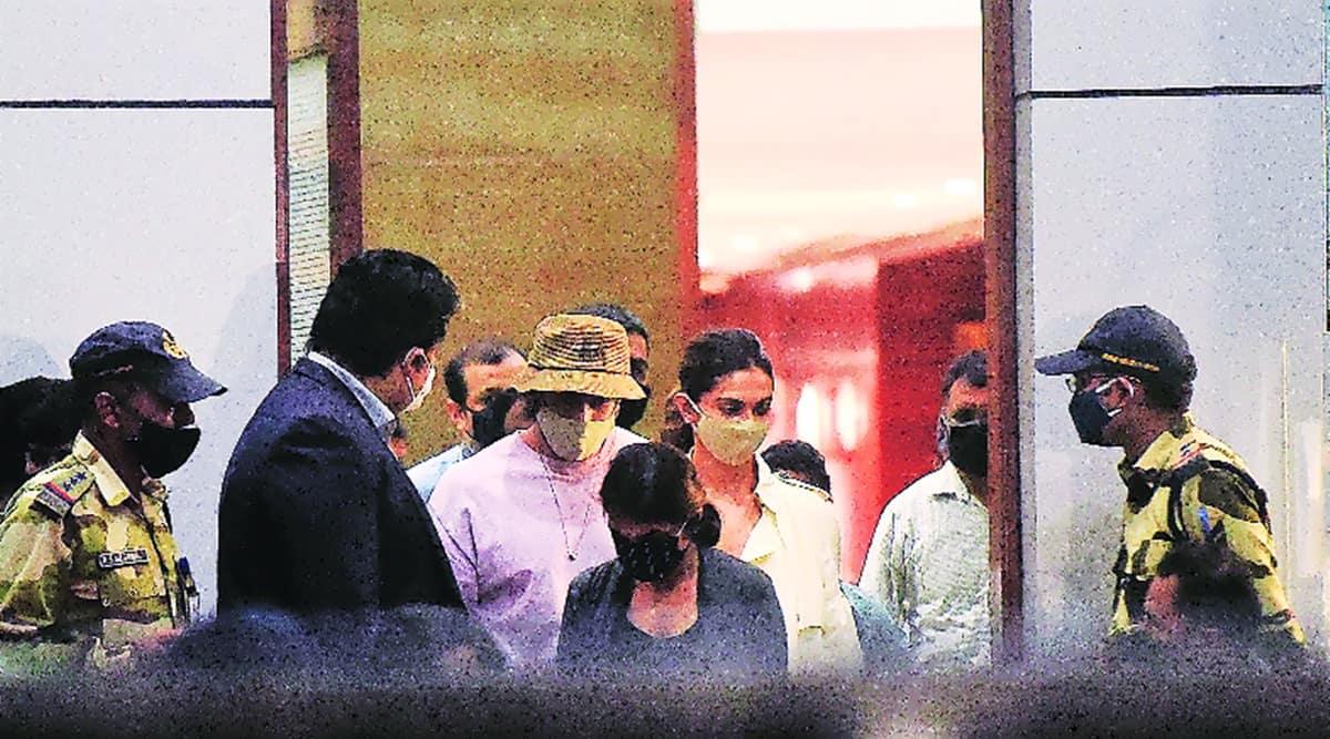 sushant singhn rajput death case, deepila padukone, ncb summons deepika paukone, deepika padukone in mumbai, indian express news