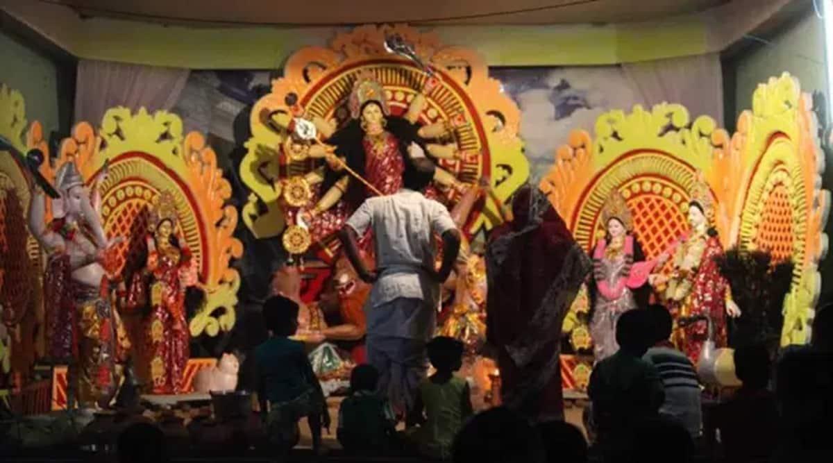 Navratri, Navratri in mumbai, Navratri idol makers in mumbai, mumbai covid guidelines, bmc, mumbai news, indian express news