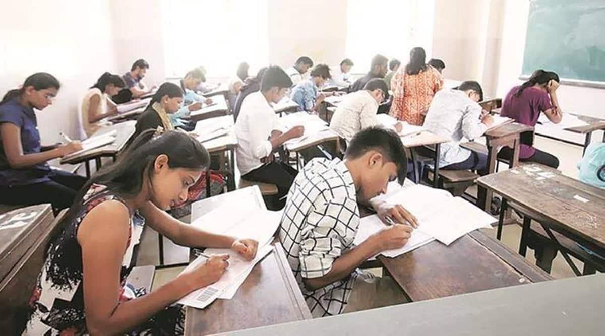 uday samant, mumbai university, mumbai final year exams, mumbai university affilatted colleges, mu sample mcqs to students before exams, indian express news