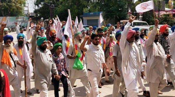 Haryana farmers refuse to pause dharnas, talks with Centre today