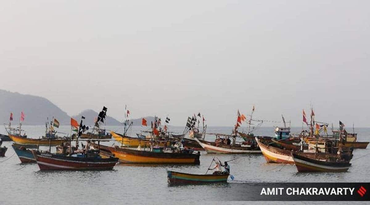 bombay hc, mumbai fishermen, mumbai covid-19, mumbai illegal fishermen boats, mumbai fishermen boats, indian express news