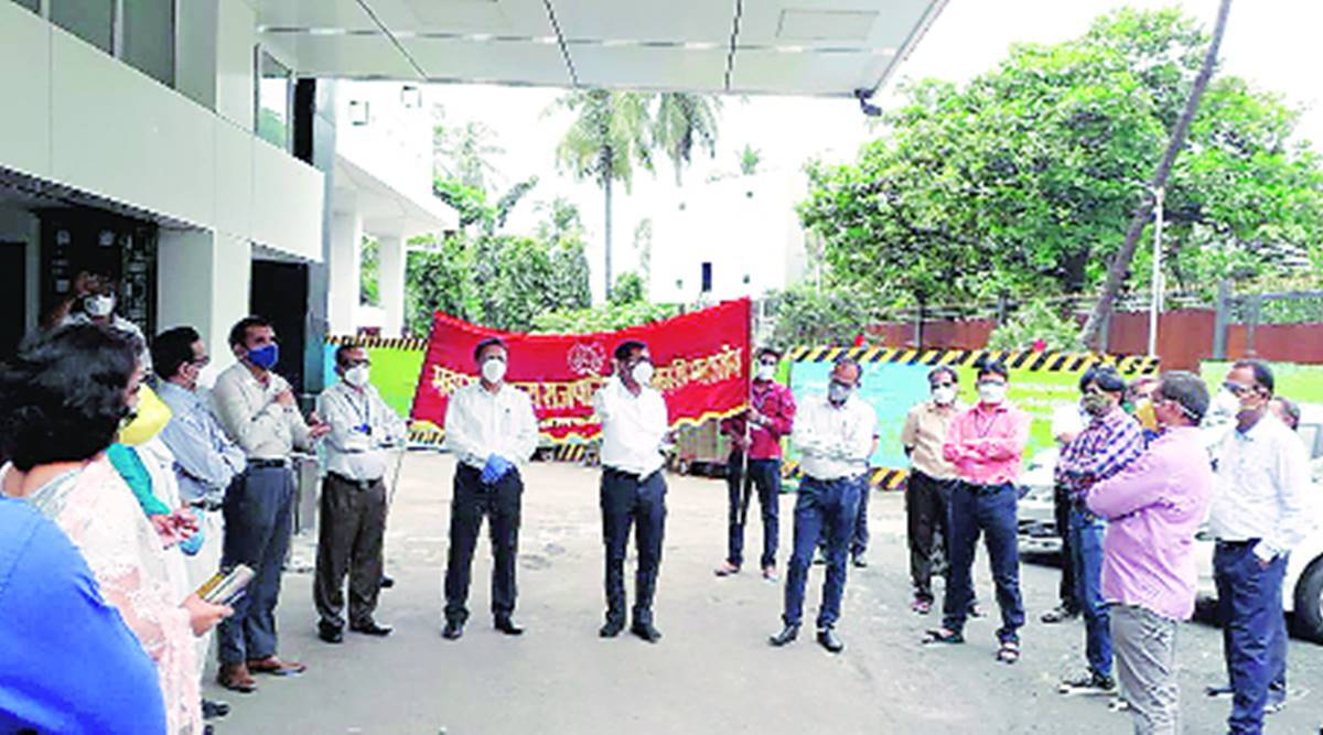 coronavirus cases, Government employees, special leave, Maharashtra news, Indian express news